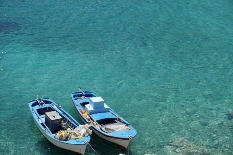 Kalotaritissa Village: Two fishing boats