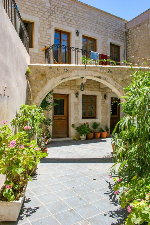 Town: Most of the buildings of Rethymno are well-preserved.