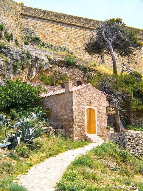 Town: Approaching the church of Agios Spiridon.