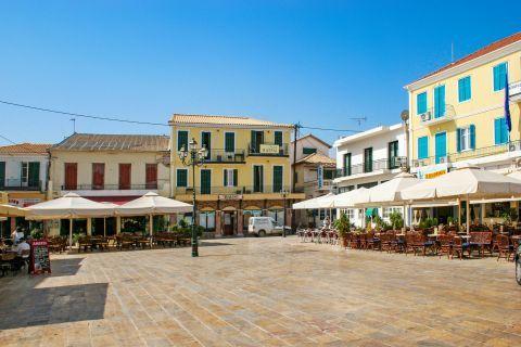 Town: Central square in Lefkada Town.