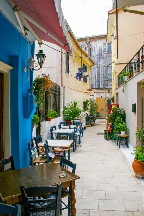 Town: Choose a traditional kafenio to relax and enjoy your moments in Lefkada.