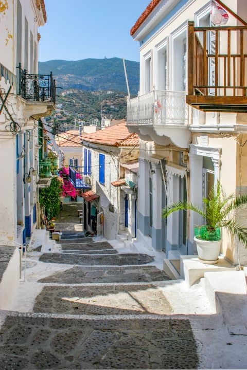 Town: A picturesque spot with nice view of hills and traditional houses.