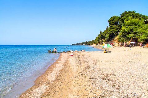 Metamorfosi: Metamorfosi beach is set in an outstandingly beautiful area.