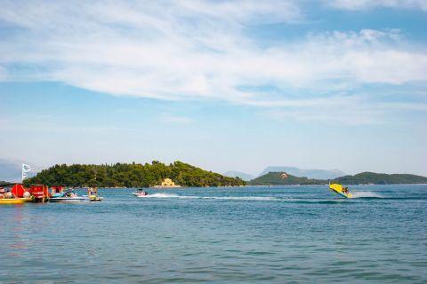 Nidri: Water sport activities in Nidri.
