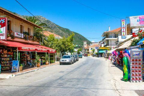 Nidri: Tourist shops and mini markets.
