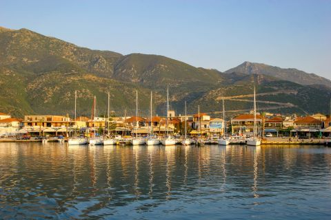Nidri: The port of Nidri is filled with fishing boats, private yachts and sailboats.