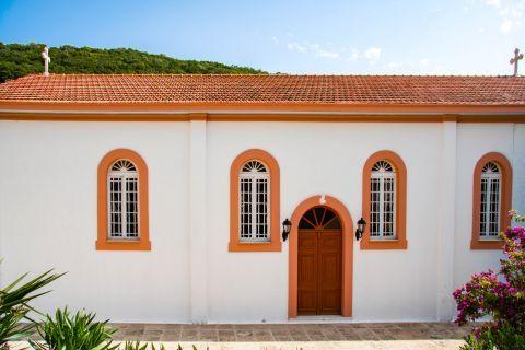 Kioni: A well maintained church.