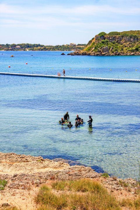 Agios Nikolaos: Practice scuba diving.
