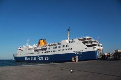 Rafina: Blue Star Ferries Superferry II