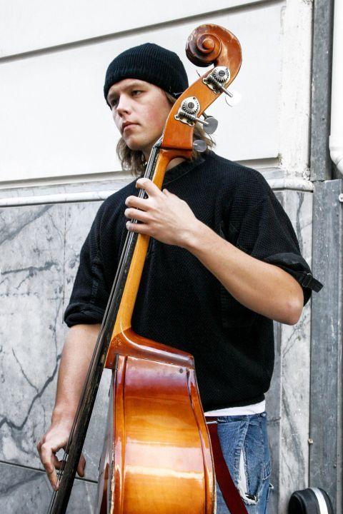 Syntagma: A street musician