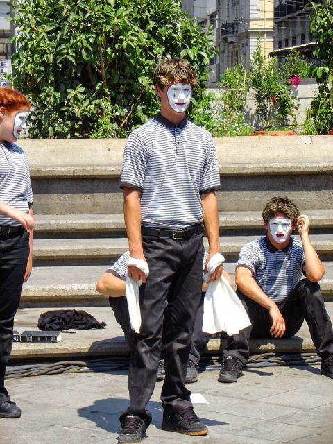 Omonia: Street performers in Omonia