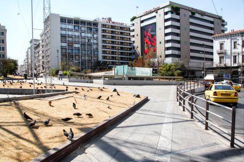 Omonia: Hotels and shopping centers around Omonia
