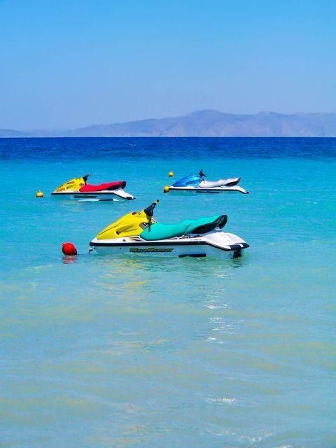 Ixia: Watersport activities on Ixia beach.