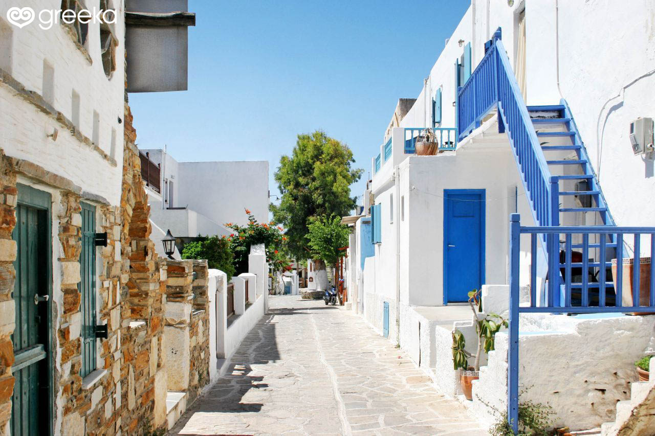 Chora in Antiparos | Villages in Antiparos - Greeka.com