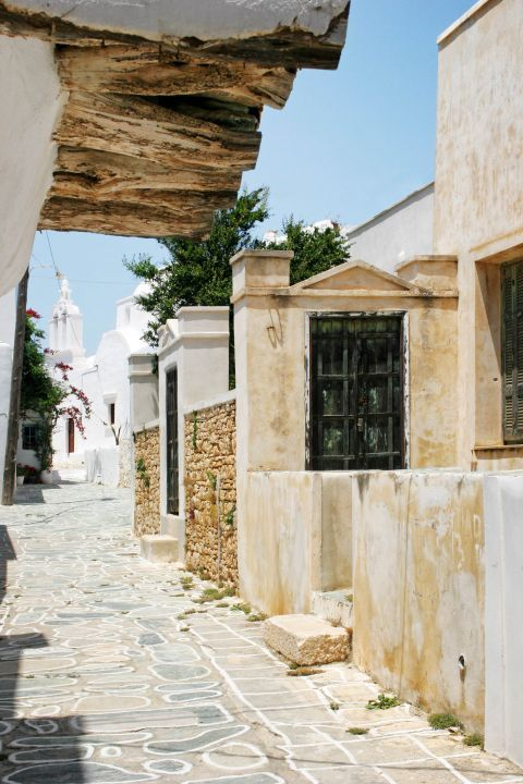 Chora: A picturesque alley.