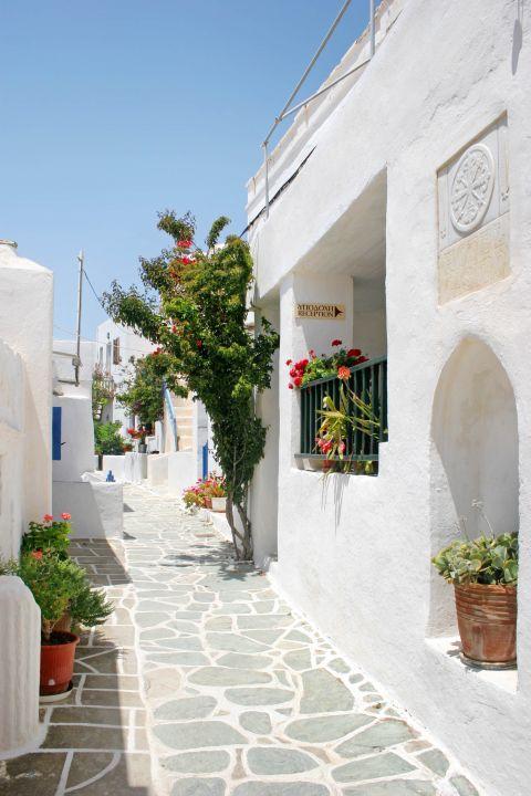 Chora: Accommodation in Folegandros.