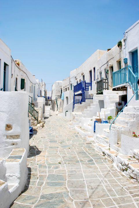 Chora: A whitewashed corner in Folegandros Town
