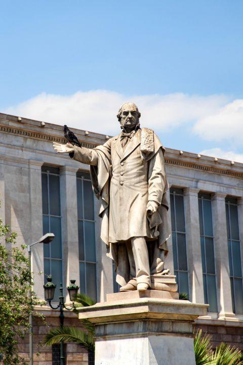 Panepistimiou Ave: Statue of William Gladstone