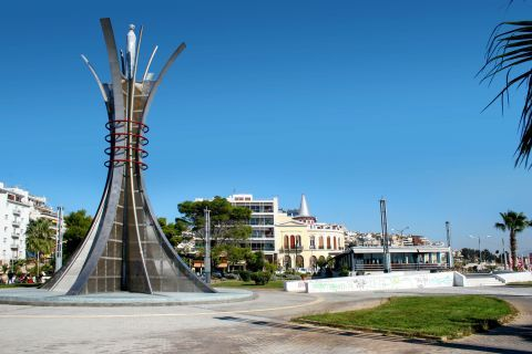 Piraeus: A central spot in Pasalimani