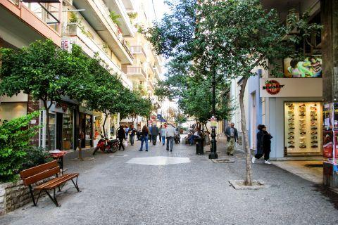 Piraeus: A shopping street at Pasalimani