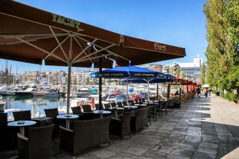 Piraeus: Cafes in Pasalimani