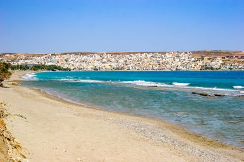 Sitia: Sandy beach with relaxing view.