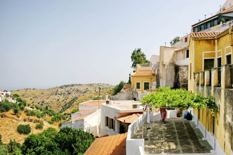 Ioulida: Traditional houses, overlooking the hills