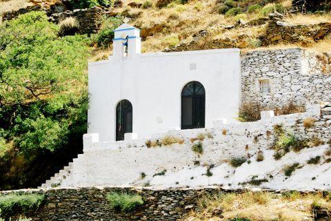 Ioulida: A lovely, whitewashed chapel.
