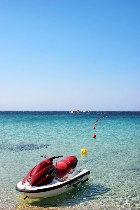 Elia: Water sport activities in Elia beach