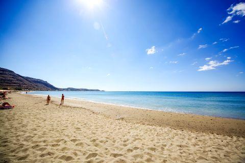 Lardos: Lardos beach is mailny sandy