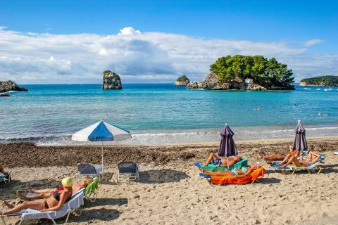 Town Beach: Parga Town beach offers you a nice view of the beautiful and verdant islet of Virgin Mary.