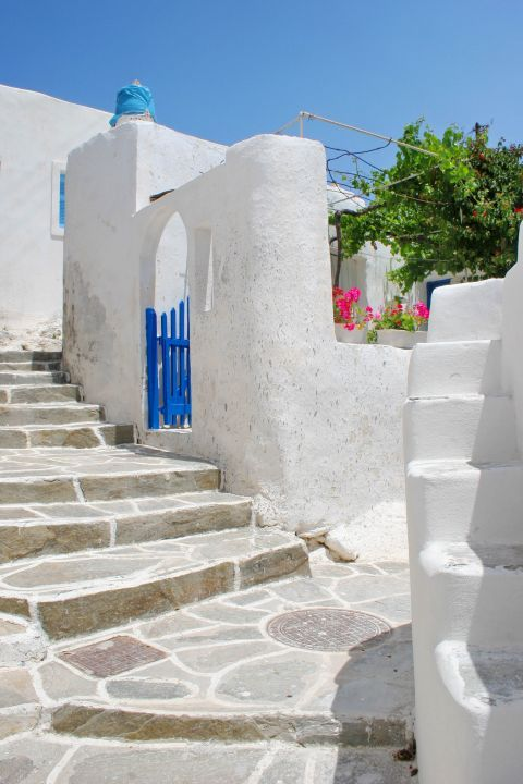 Chora: A whitewashed house with blue-colored details