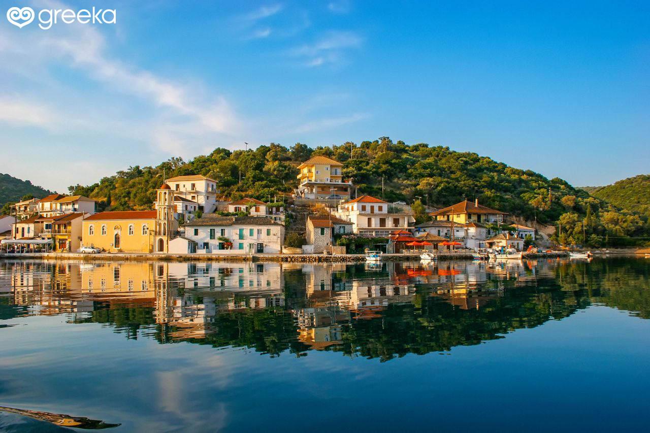 Meganisi Vathy: Photos, Map, Hotels, See & Do | Greeka