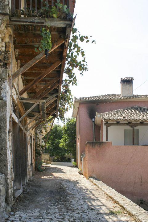 Town: Old buildings