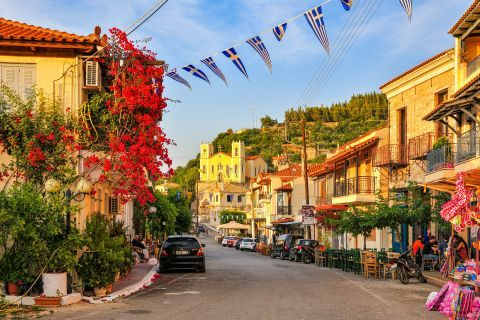 Town: A central spot in Kyparissia Town