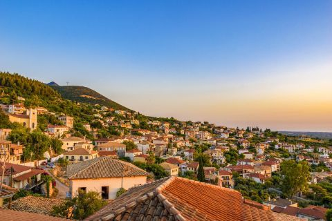 Town: Panoramic view of Kyparissia Town