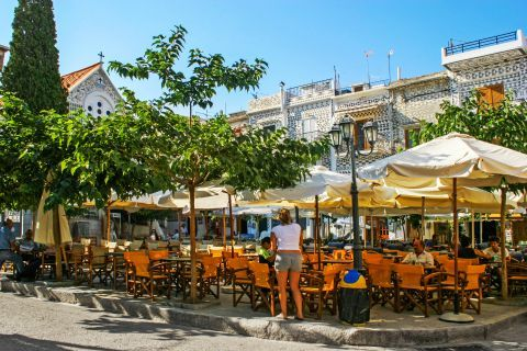 Pyrgi: Cafes in Pyrgi.