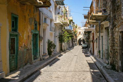 Pyrgi: Traditional houses.
