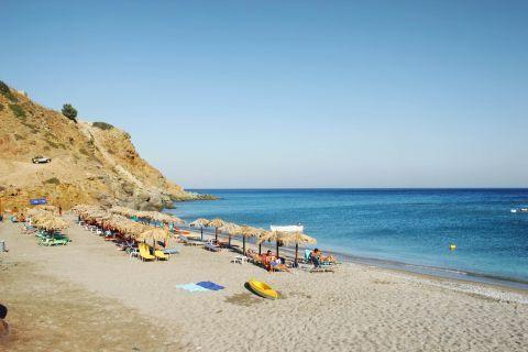 Agia Kiriaki: Umbrellas and sun loungers