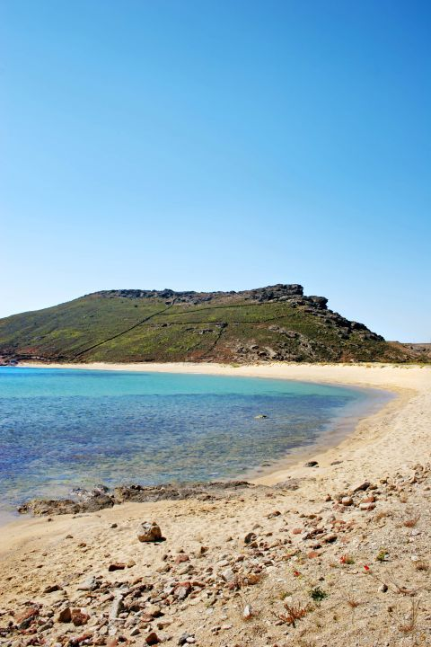Panormos: The blue waters of Panormos beach