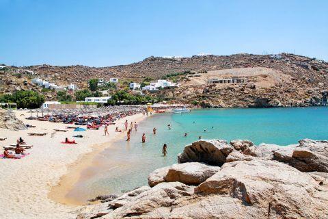 Super Paradise: The popular Super Paradise beach