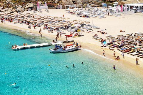 Super Paradise: Panoramic view of Super Paradise beach