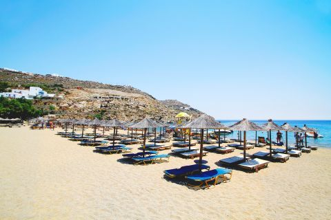 Super Paradise: The well-organized Super Paradise beach