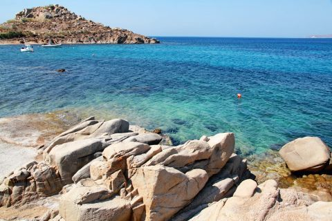 Agia Anna: Some abrupt cliffs