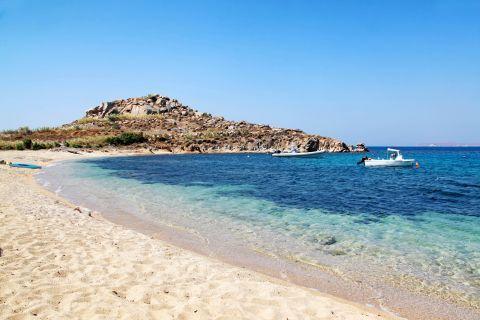 Agia Anna: The deep blue waters of Agia Anna beach