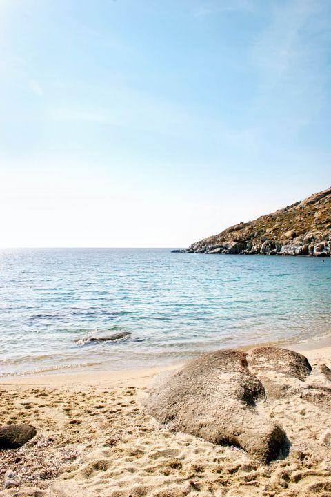 Kapari: Sandy beach