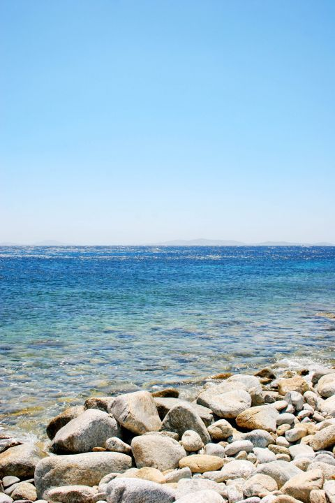 Houlakia: Crystal clear waters