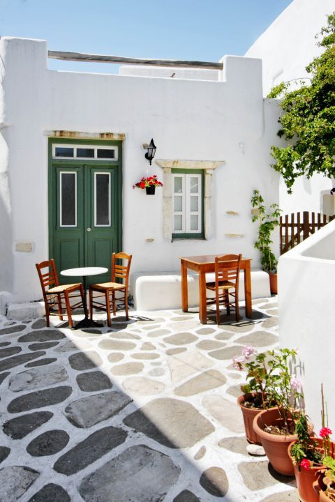 Prodromos: A typical Cycladic corner