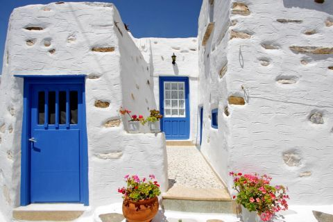 Prodromos: White and blue house