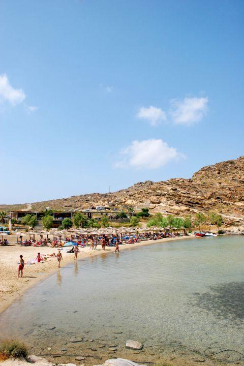 Monastiri: Visitors of Paros love Monastiri beach